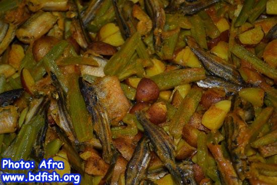 রেসিপি: বাইম ও টেংরা মাছের চচ্চড়ি