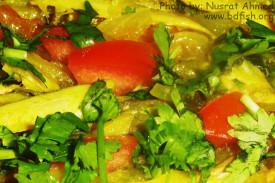 টমেটো ও ধনিয়া পাতায় বাঁশপাতা (কাজলী) মাছ
