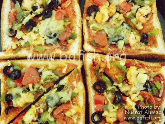 প্রন ব্রেড পিজ্জা (Prawn Bread Pizza)